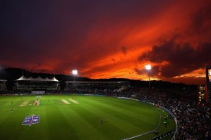 cricket-sunset_1991392i